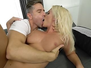 Youthful Sweetie Is Worth Hot Fuck-fest With Seasoned Gent