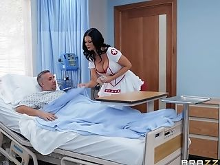 Horny Nurse Jasmine Jae Adores Fuck And A Blow-job In The Hospital
