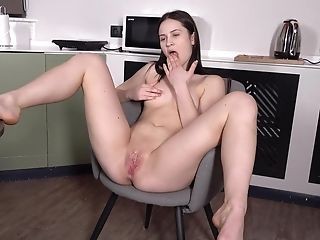 Solo Chick Nikki Hill Spreads Her Gams And Plays With Her Raw Coochie