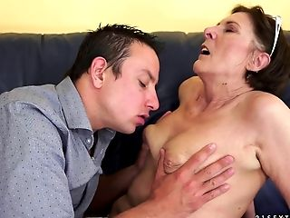 Granny Hoe With A Wonderful Raw Cunny Fucked Gonzo