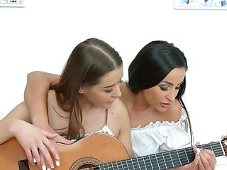 Romanian Honey Alyssia Kent Is Instructing Gf Hot To Have Fun The Guitar And Munch Muff