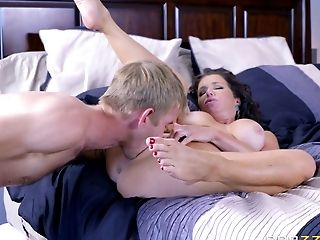 Sexy Veronica Avluv Is In Love With The Man's Fat Boner!