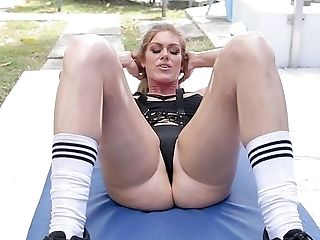 Athletic Ivy Secret Caps A Workout With A Round Of Awesome Hookup