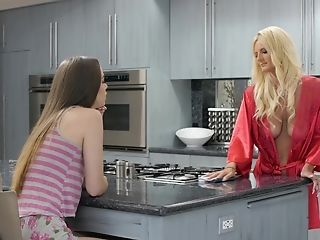 Olivia Blue And Tali Dova Like To Munch Each Other's Moist Cooters