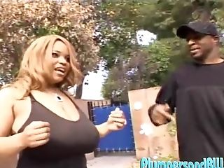 Lady Snow Has A Humongous Rump Fit For A Big Black Man Meat And A Jizm Shot