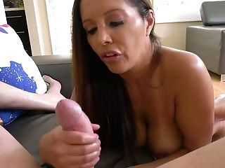 Slender Cougar Francesca Le Is Stupefying And Her Handjobs Are Her Specialty