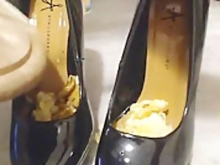 Shoefetish Blackmailed
