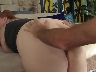 Ginger-haired Plus-size Julie Ann More Gets Her Feet Worshiped And Cootchie Spread