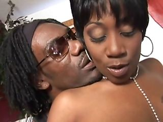 Tempting Black Delivering A Superb Fellatio Before Being Hammered With A Big Dick Doggystyle