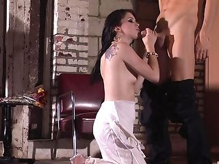 After Drooling On A Fat Friend's Prick Jessie Palmer Got Her Puss Fucked
