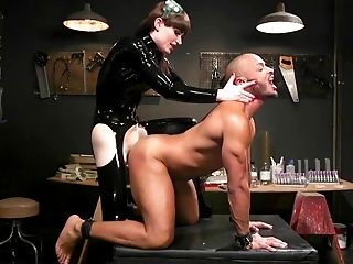 Transsexual Mistress In Spandex Natalie Mars Fucks Rear Entrance And Deepthroat Of One Pervy Dude