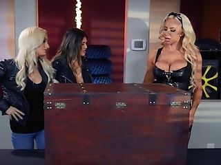 Wild Dolls Brenna Sparks And Nicolette Shea Packaged In Passion