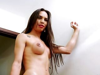Big Tranny Dick And A Wicked Hot Bubble Butt On This Honey