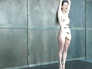 Skinny Matures Victim Chick Paintoy Emma Spanked Hard By London Sea