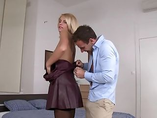 Slender Model In Stockings And On High Stilettos Is Fucked