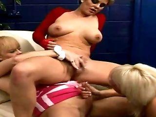 1 Woman Two Tranny