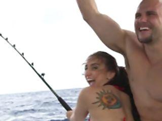 Bloke Screws Gf's Asshole On The Docked Boat