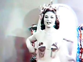 Antique Burlesque In Three Dimensional!