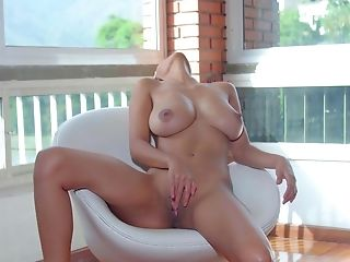 Dark Haired With Naturals Likes Posing Nude And Finger-tickling