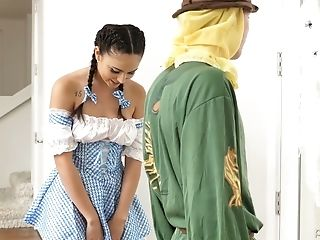 Sweet Heart Ariana Marie Wearing Ellie Attire Is Fucked By Bf In Scarecrow Costume