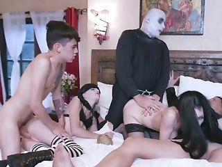 Halloween Group Fuck-a-thon Soiree With Some Horny Ladies