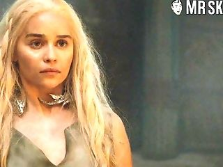 Attractive Blondie Emilia Clarke Never Minds Flashing Her Sexy Nude Bod