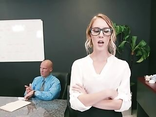 Hardworking Blonde Damsel Proves Her Manager That She Is A Pro