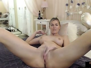 Hot Blonde Mom With Ideal Tits Masturbating On Homemade Webcam