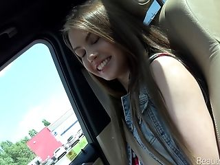 Pretty Nubile Called Elle Rose Getting Bonked Inwards The Car