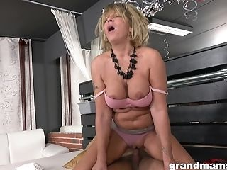 Fat But Hot Af Matures Cowgirl Gets Her Moist Meaty Honeypot Fucked Truly Hard