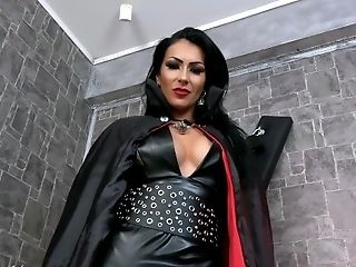 Mistress Kennya: The Vampire Bj's You Dry